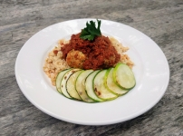 Turkey meatballs with grilled zucchini